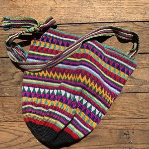 Vintage 70s/80s woven bucket bag